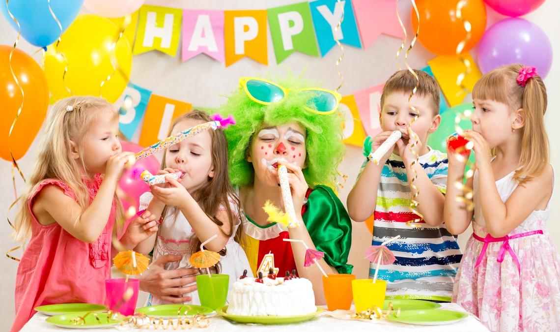 как смешные фото детки на вечеринке голове