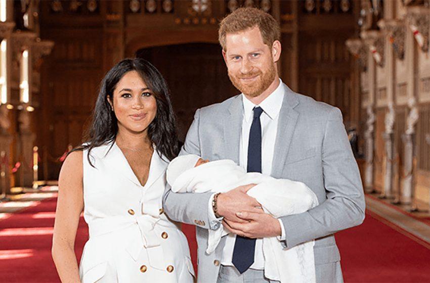 Меган и Гарри выложили рождественское фото с малышом Арчи
