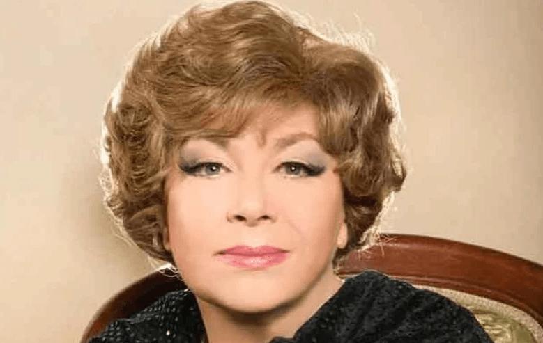 Илона Броневицкая очень похожа на свою маму