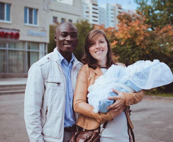 Русская девушка-блогер показала детей от мужа афроамериканца, с которым поехала в Гану 8 лет назад