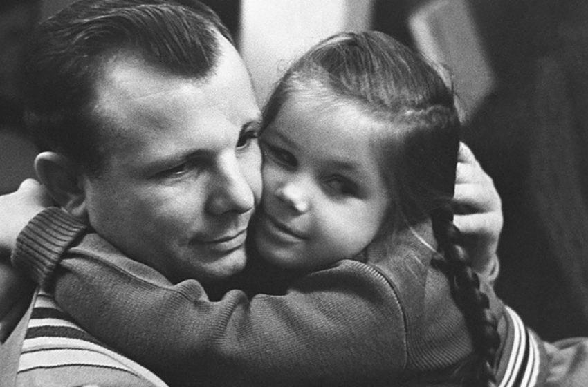 Как сложилась жизнь детей известного космонавта Юрия Гагарина