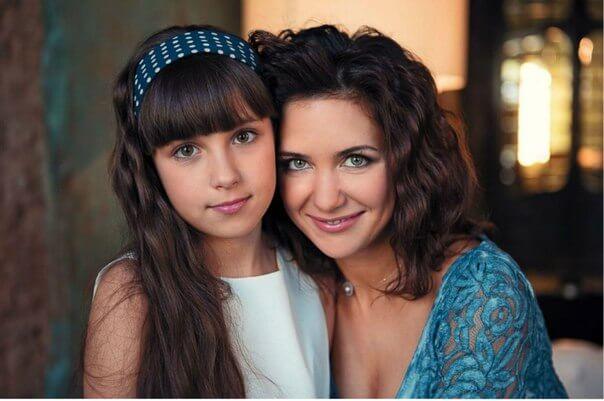 Как сестры: старшая дочь Екатерины Климовой выросла и стала копией мамы