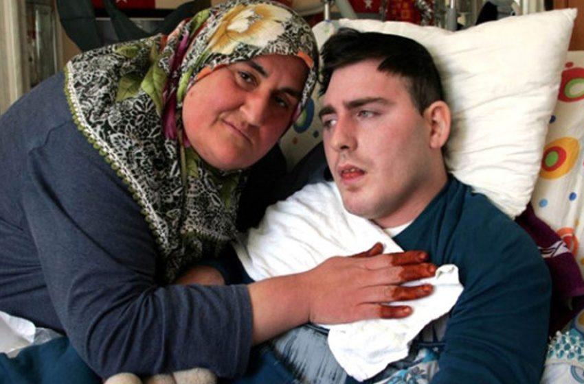 «10 лет ухаживала за ним»: как сейчас живет турчанка, усыновившая больного русского парня