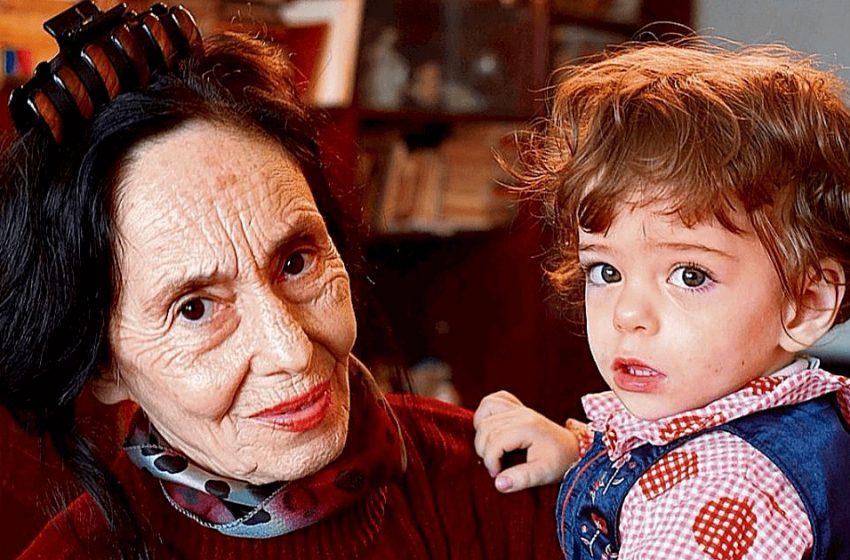 Спустя 15 лет: как живет девочка, которую мама родила в 66 лет?